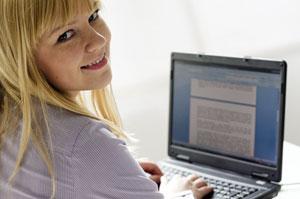 job-konzept_Teilnehmerin der Fortbildung: Kundenberater/-in im Call- und Service-Center