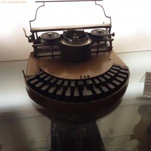 Frühe Schreibmaschine im Technikmuseum